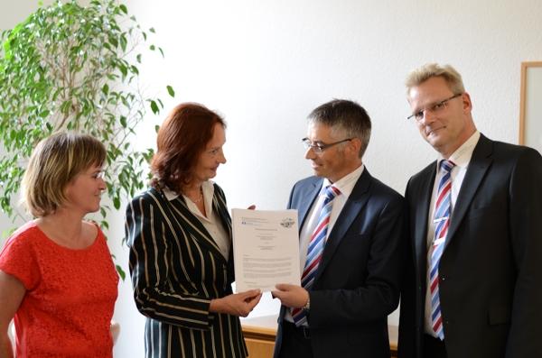 Volksbank Rhein-Nahe-Hunsrück eG und Gymnasium an der Stadtmauer Bad Kreuznach besiegeln Kooperation